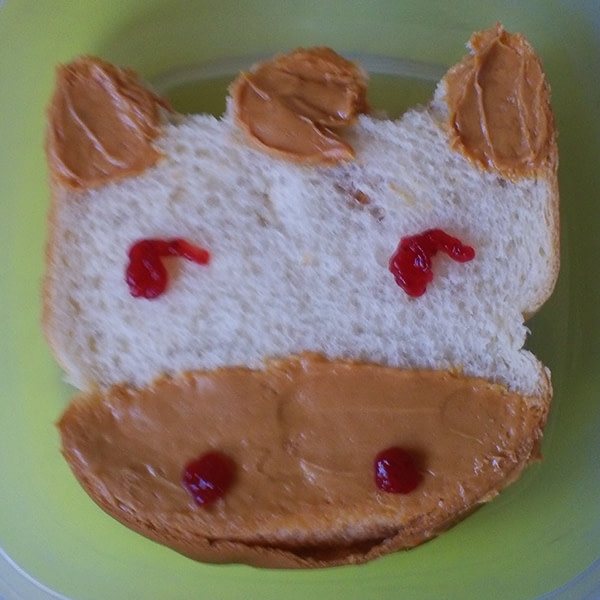 Sandwich that looks like a cow.